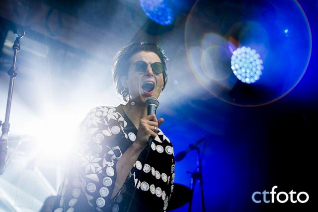 Karin Park på skogen-scenen, Emmabodafestivalen 2015