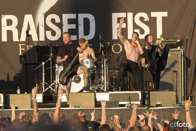 Raised_Fist_Bravalla_2017_16